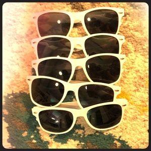 Accessories - 5 pair of white sunglasses